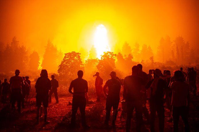 Illustration d'un incendie en Grèce