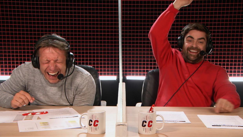 Commentatoren Wesley Sonck en Pedro Elias in 'De Container Cup'. Beeld SBS