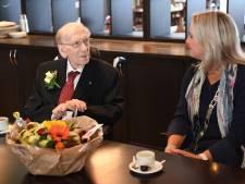 Waalwijks oudste inwoner viert 105e verjaardag. 'Hij spelt nog elke dag de krant'