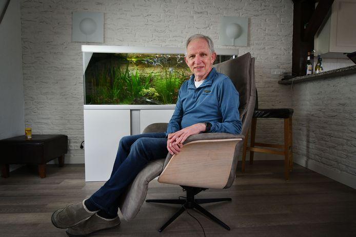 Het aquarium in zijn woonkamer geeft Jan Berendsen rust. Na dertig jaar als volleybaltrainer in de eredivisie is hij gestopt.