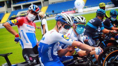 """LIVE. Deceuninck-Quick.Step start in tweede rit, Groenewegen reageert: """"Ik denk aan Fabio, constant"""""""
