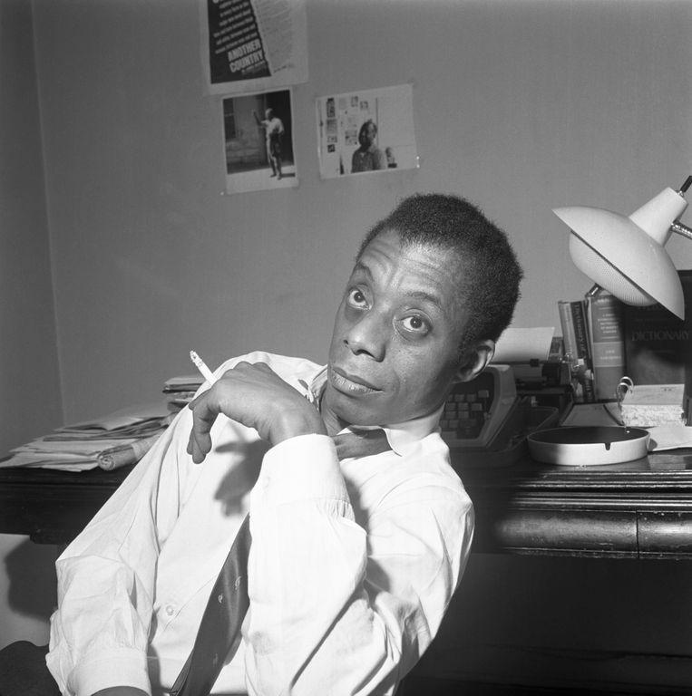 De schrijver James Baldwin, één van Brando's eerste minnaars: 'Hij gaf me het gevoel dat ik niet zo lelijk was als iedereen zei.' Beeld Bettmann Archive
