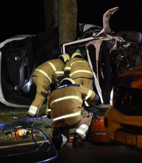Twee doden bij ongeval in Schijndel: auto belandt tegen boom