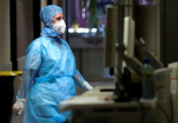 Une infirmière dans le service Covid-19 de l'hôpital La Citadelle à Liège le 16 juin dernier.