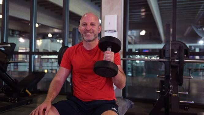 """Sporters zijn al vroeg op post voor heropening fitness: """"Thuis sporten is het toch niet, hoor. Deze zaal geeft me gek genoeg meer energie"""""""