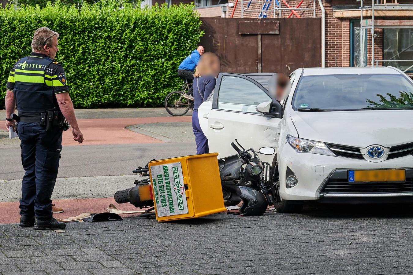 Eeen politieagent aan het werk in Breda.