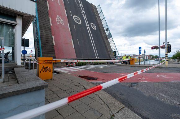 De Colomabrug in Mechelen is defect