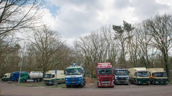 Jan Bakker uit Oldebroek moet haast maken met aanleg parkeerterrein, anders volgt een boete