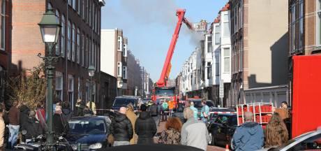 Bewoners Haagse Ampèrestraat schrikken enorm van brand: 'De vlammen kwamen bijna tot de overkant'
