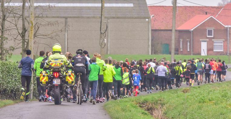 Driehonderd sportievelingen namen deel aan de Sylvesterjogging.