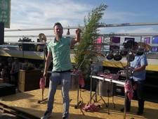 Hartje Breda: Pannen op het dak, mussen net niet van het dak
