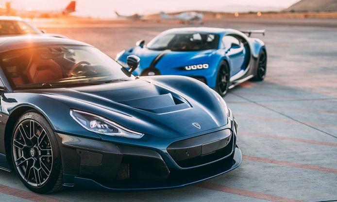 Bugatti Rimac gaat twee hypercars bouwen: de Bugatti Chiron (achtergrond) en de volledig elektrische Rimac Nevera. In een later stadium volgt een volledig elektrische Bugatti.