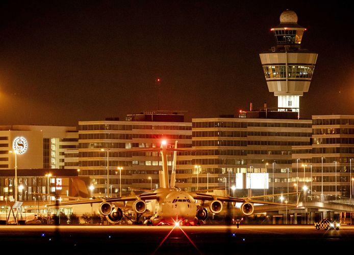 Beeld van de landing van het bewuste vliegtuig op Schiphol.