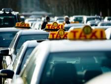 Demonstrerende taxichauffeurs willen snelwegverkeer niet hinderen