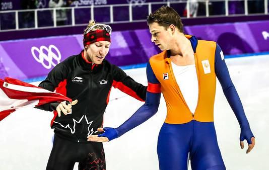 Fraai sportmanschap: Sven Kramer feliciteert Ted-Jan Bloemen.