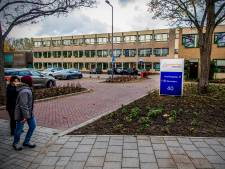Werkstraf voor leerling (17) die cameraman mishandelde bij verslag over spotprent