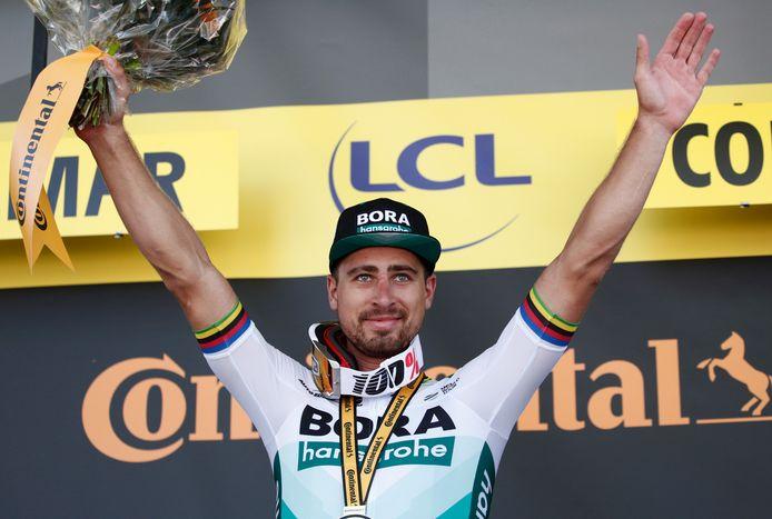 Peter Sagan op het podium na een ritzege in de afgelopen Tour de France.