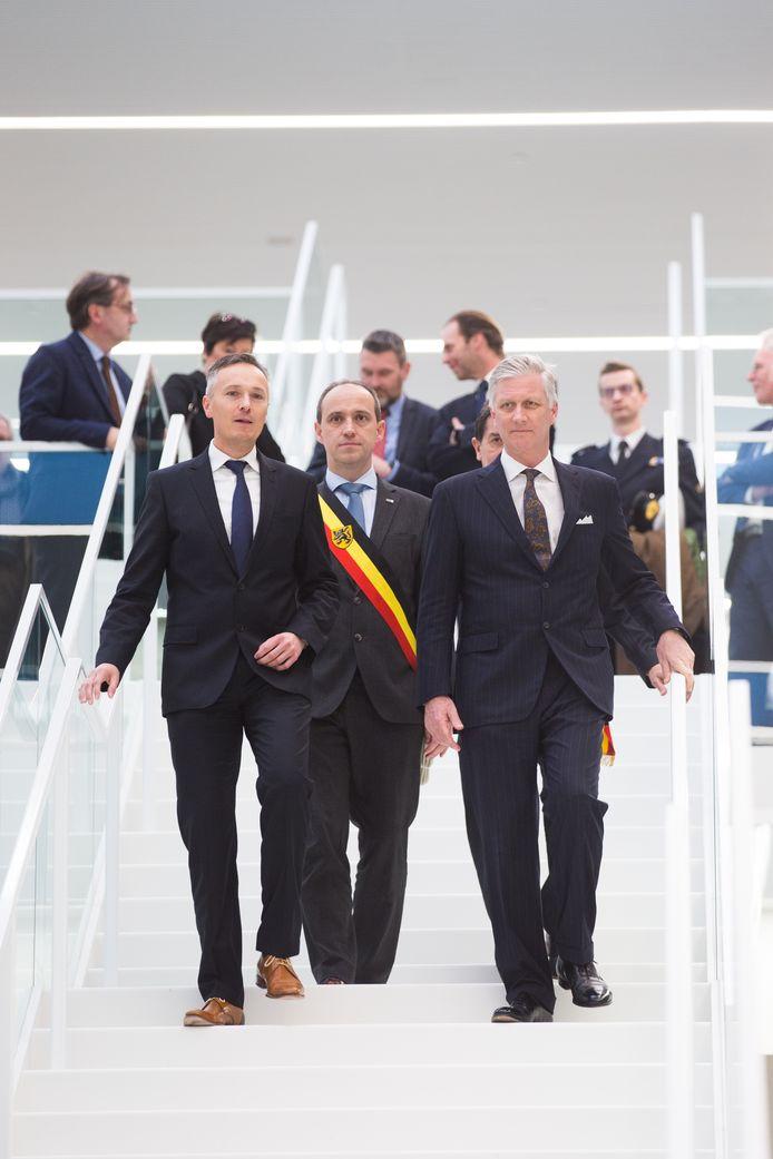 Koning Filip bezoekt de T2 campus in Genk.Hier op foto met burgemeester Wim Dries en Dirk Vanstipelen, directeur van Syntra Limburg