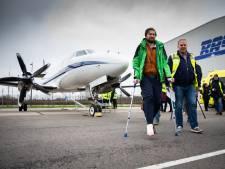 'Pistepechvogels' met eerste en enige gipsvlucht weer thuisgebracht: 'Ik ga met been omhoog Netflix kijken'