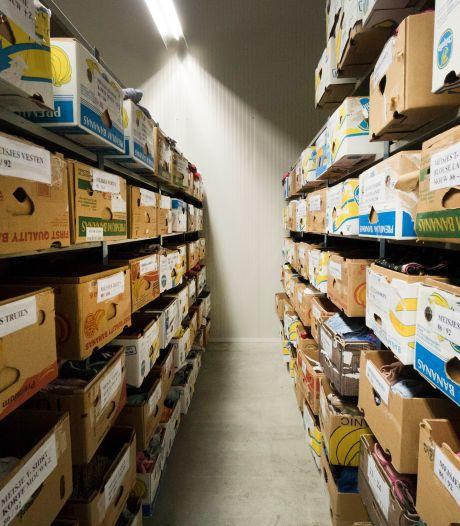 Kledingbank Nijmegen deelt samen met voedselbank meer dan 1000 kledingpakketten uit