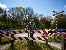 Ruurloërs willen onbewaakte spoorwegovergang behouden: 'Ze hoort bij een belangrijke wandelroute'