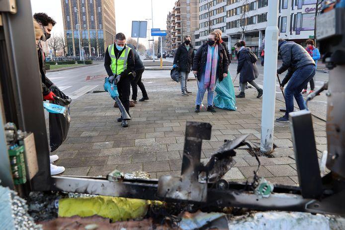 Schoonmaakploegen in de weer in Eindhoven.