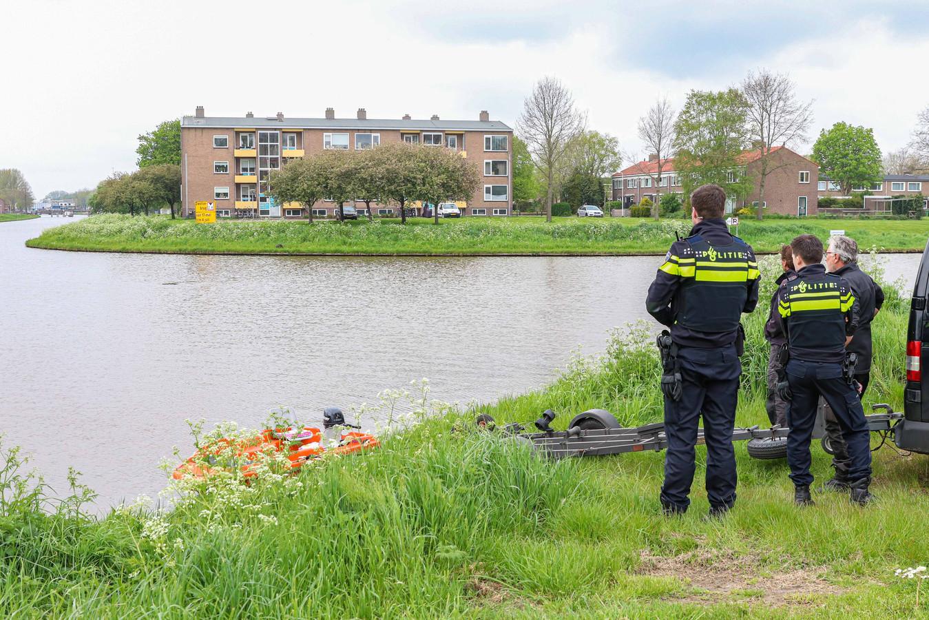 De politie doet onderzoek naar de ontbrekende lichaamsresten van een vermoorde hond.