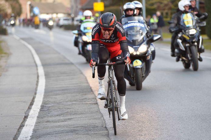 Greg Van Avermaet reed in volle finale weg van een klein pelotonnetje