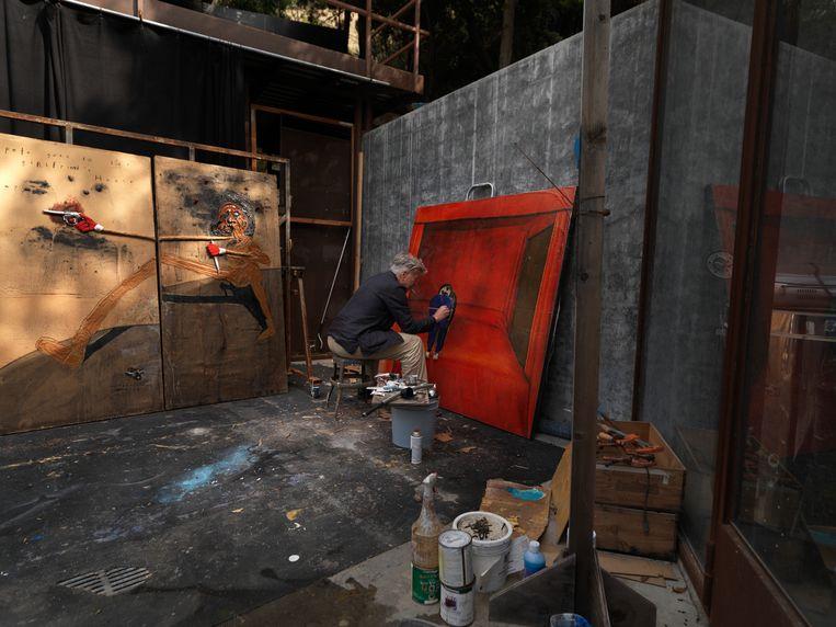 Lynch aan het werk in zijn atelier.  Beeld rv David Lynch