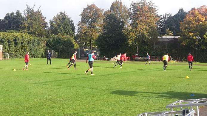 De training van Go Ahead Eagles vanmorgen. Foto: Roy Heethaar