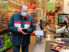 Dankzij het ouderenuurtje durft Adriaan (81) eindelijk weer de supermarkt in