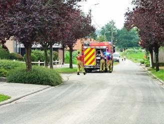 Brandweer ruimt modderspoor