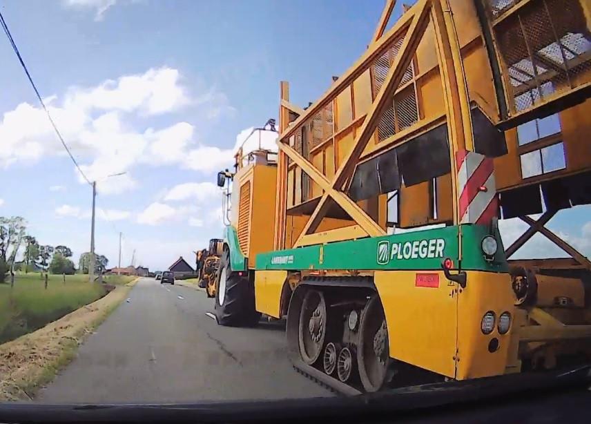 Le tracteur qui ralentissait le trafic.
