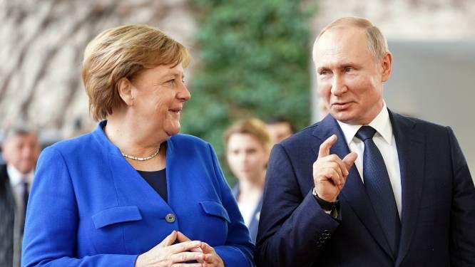 Spanning Oost-Oekraïne loopt op: Merkel vraagt Poetin troepen te verminderen