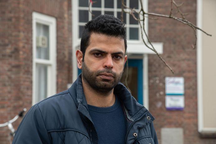 Amir leeft al jaren tussen hoop en vrees. Voor de IND is zijn verhaal over zijn bekering tot het christendom niet overtuigend genoeg voor een verblijfsvergunning.