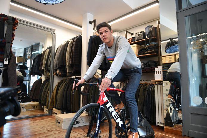Jasper Stuyven bezoekt kledingwinkel Lef in Leuven