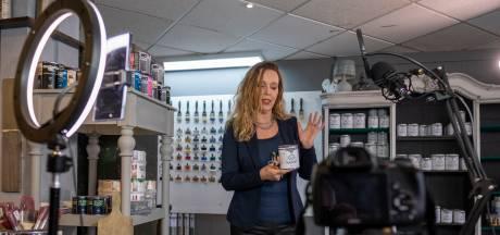 Diana's verfwinkel in Nunspeet is ineens wereldberoemd: 'Klanten rijden soms 3 uur om'