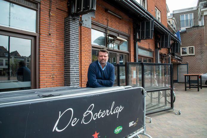 Gert Boonen van de Boterlap in Harderwijk en Ermelo is niet blij met het plan voor een gedeeltelijke opening van de terrassen.