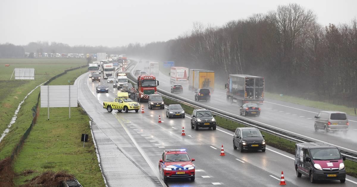 A73 zorgt woensdag voor grote vertraging; twee ongelukken en een defecte vrachtwagen.