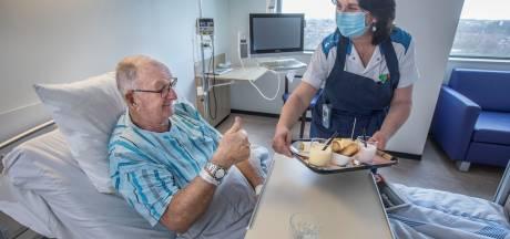 Sneller uit het ziekenhuis dankzij eiwitrijke hapjes: beter voor de patiënt én goedkoper