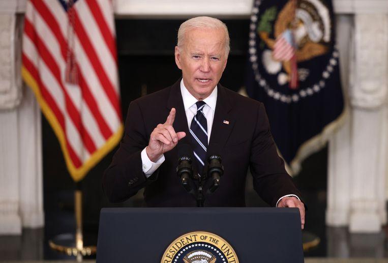 President Joe Biden lichtte in een toespraak de verschillende nieuwe maatregelen toe.  Beeld Getty Images
