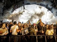 Nederlanders met grote groepen de grens over om te feesten: 'Ik ben gevaccineerd'