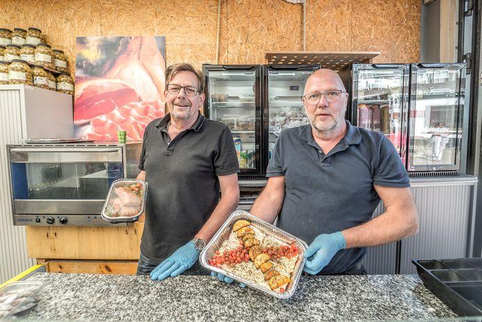 """Frank van den Akker (links) en Rick Schipper van cateraar De Plattelander. ,,We willen de verspilling  van voedsel stoppen."""""""