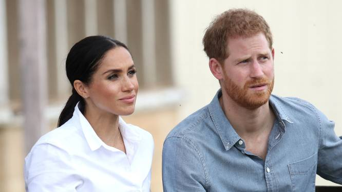 """Gesprekken tussen Harry en andere royals on hold gezet: """"Er wordt te veel informatie gelekt vanuit kamp Sussex"""""""