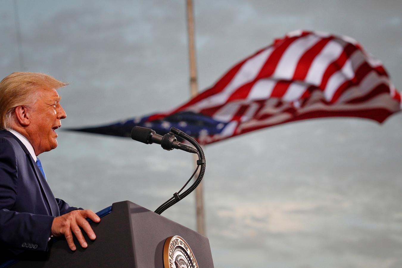 President Donald Trump tijdens een rally in Jacksonville, Florida.