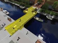 Knalgele rolbrug als extra verbinding tussen Stadsoevers en centrum
