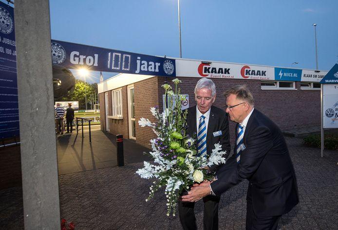 Grol-voorzitter Hans Scheinck (rechts) en zijn voorganger Theo Huijskes.