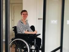 Aan bed gekluisterde Eva (18) is na een operatie in Barcelona weer thuis
