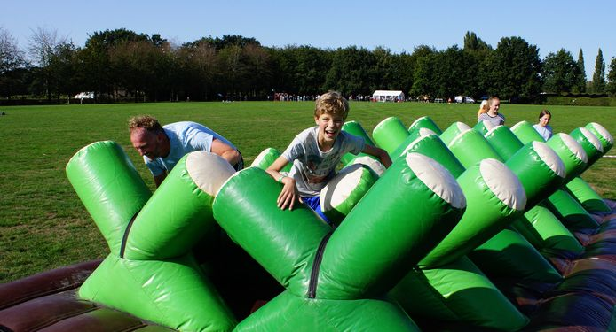 De Obstaclerun trekt jaarlijks honderden deelnemers.