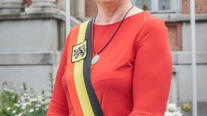 Rita Demaré legt opnieuw de eed af als burgemeester van Hooglede
